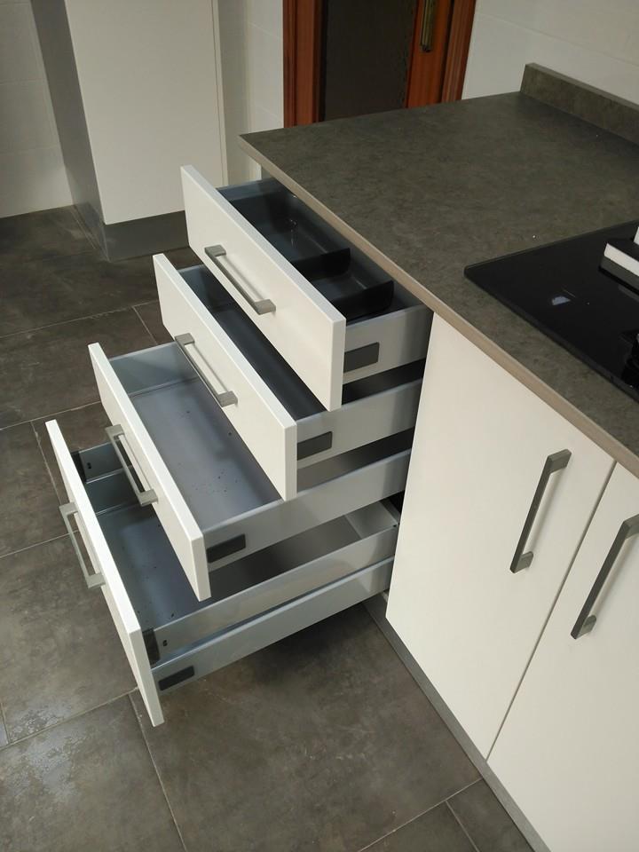 20 bonito cajoneras para cocina im genes muebles a - Muebles de madera a medida ...