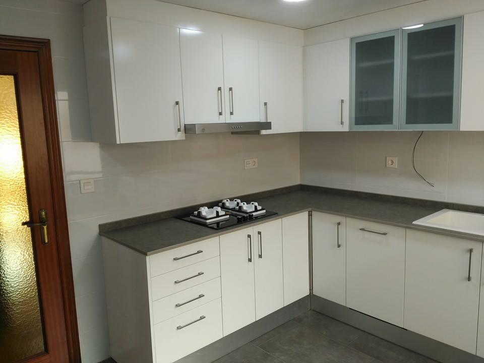 Muebles de cocina pequeas perfect cocina pequea con pared for Muebles de cocina pequena modernos